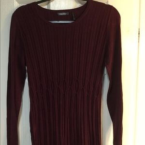 Daisy Fuentes burgundy sweater. GUC.
